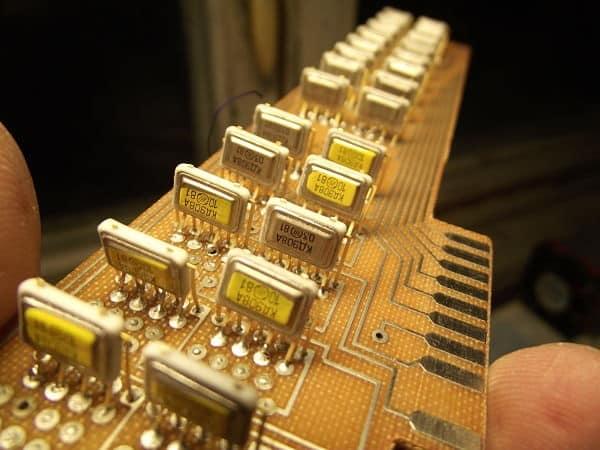 где в микросхемах золото