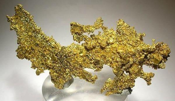 природный слиток золота