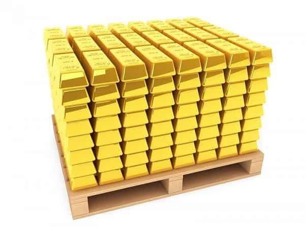 много слитков золота